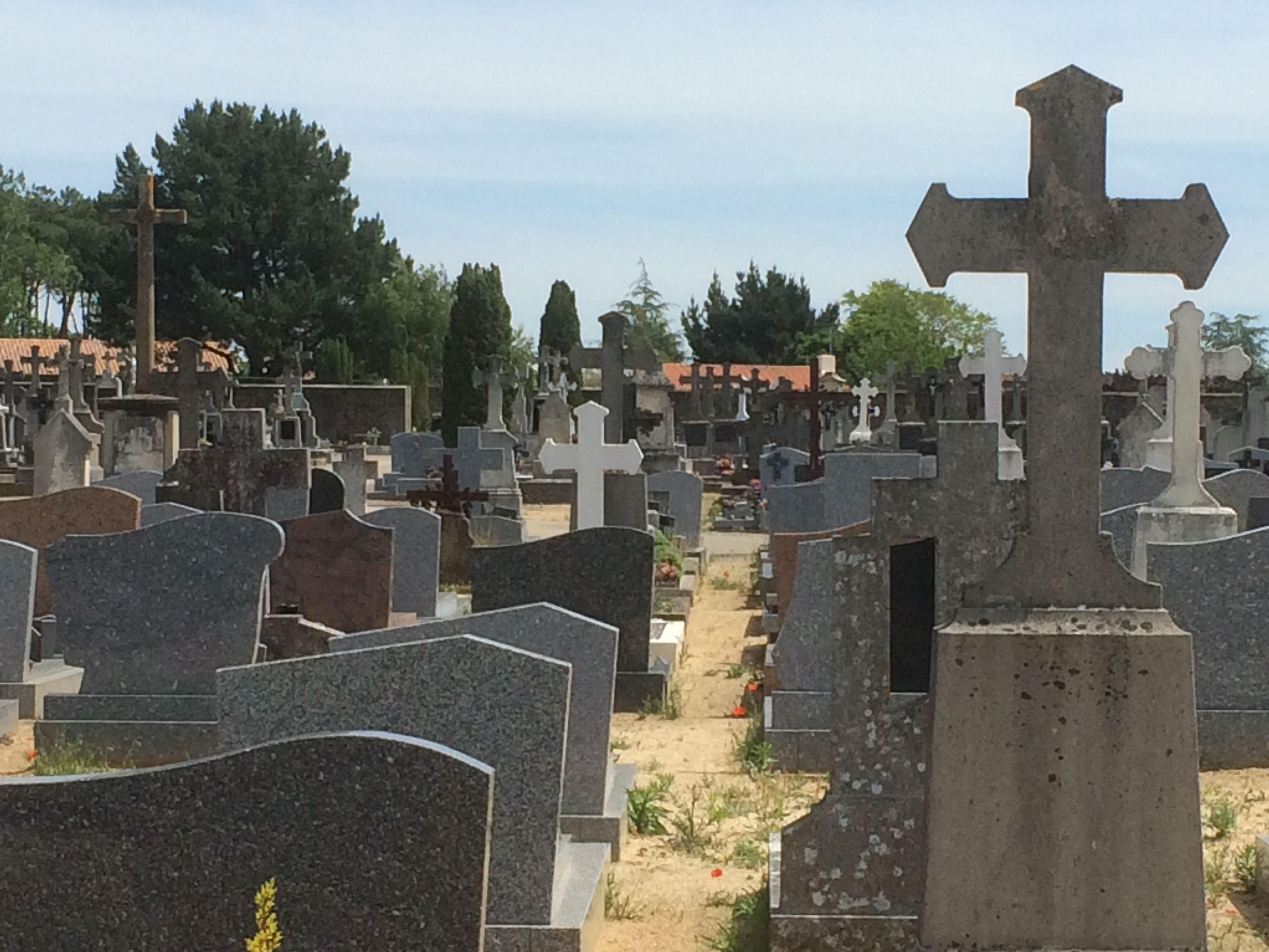 ouvrir urne funéraire